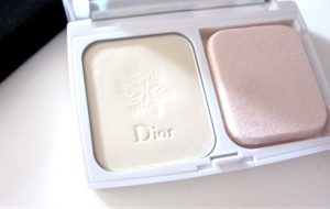 dior-diorsnow-white-reveal-compact-foundation-300x190